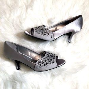 NWOT Laura Scott Silver Heels Size 8.5